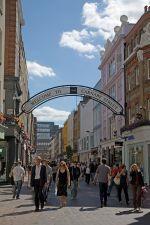 Carnaby Street, Wikipedia photo.
